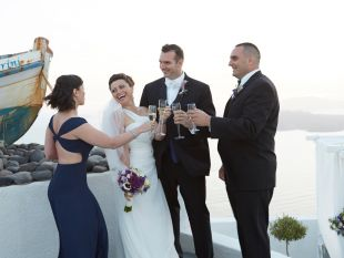Wedding in Santorini with Traditional Jewish Elements