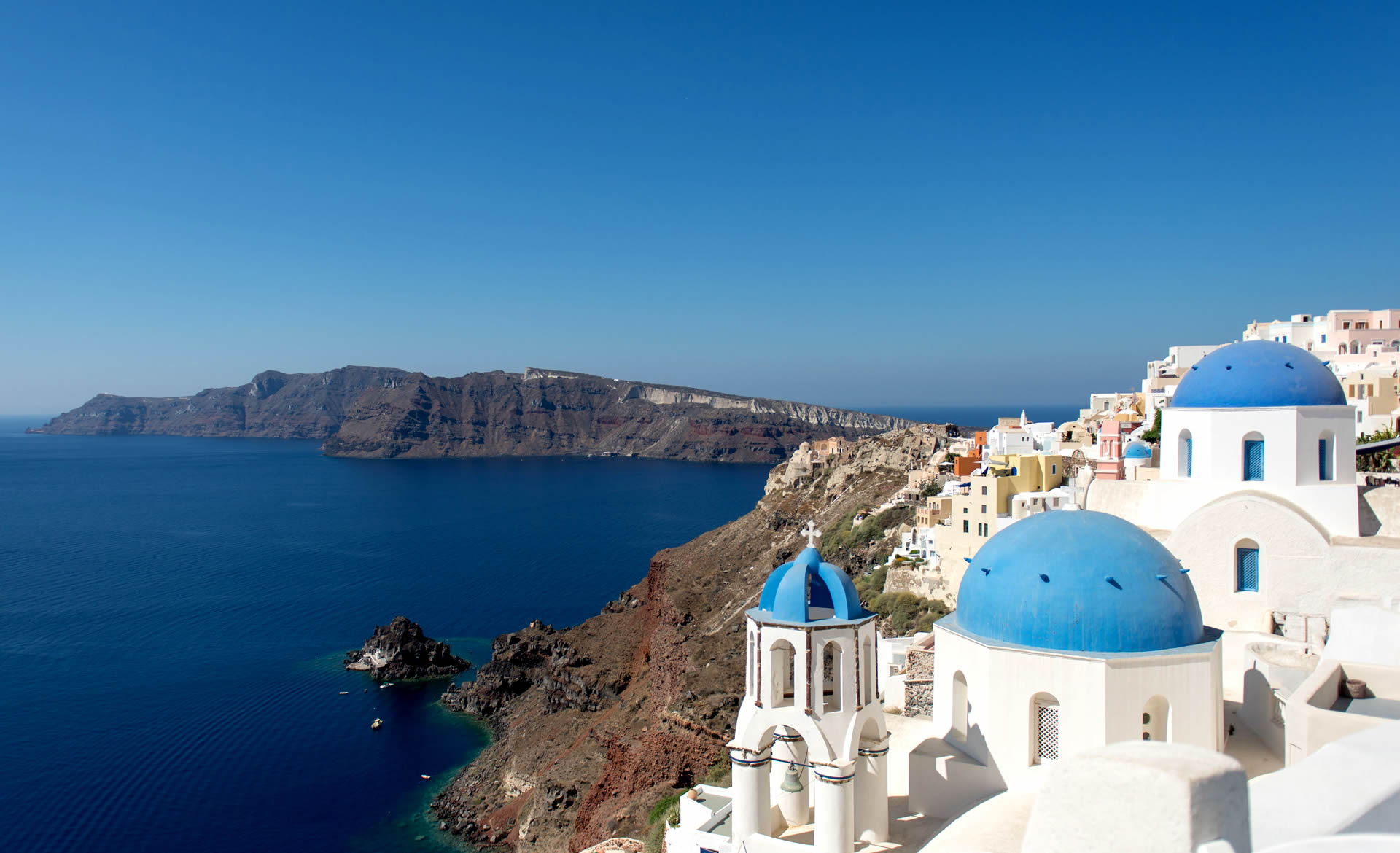 Honeymoon in Greece. Honeymoon in Santorini. By Kivotos of Aegean